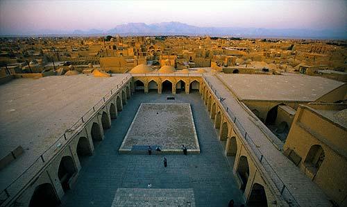 صحن مسجد جامع يزد